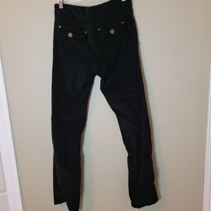 Baccini black pants. 2 pockets in the front.